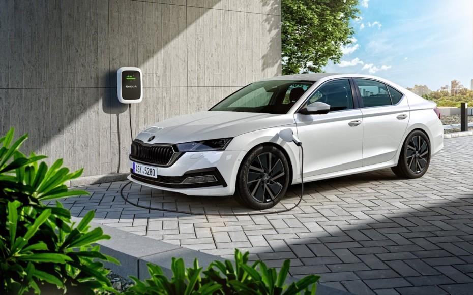 Škoda Octavia híbrido enchufable: Llega la pegatina 0 emisiones