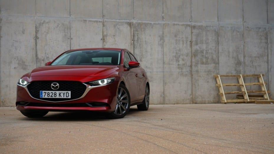 Prueba Mazda3 Sedán: Elegancia, clase y un tacto deportivo inigualable