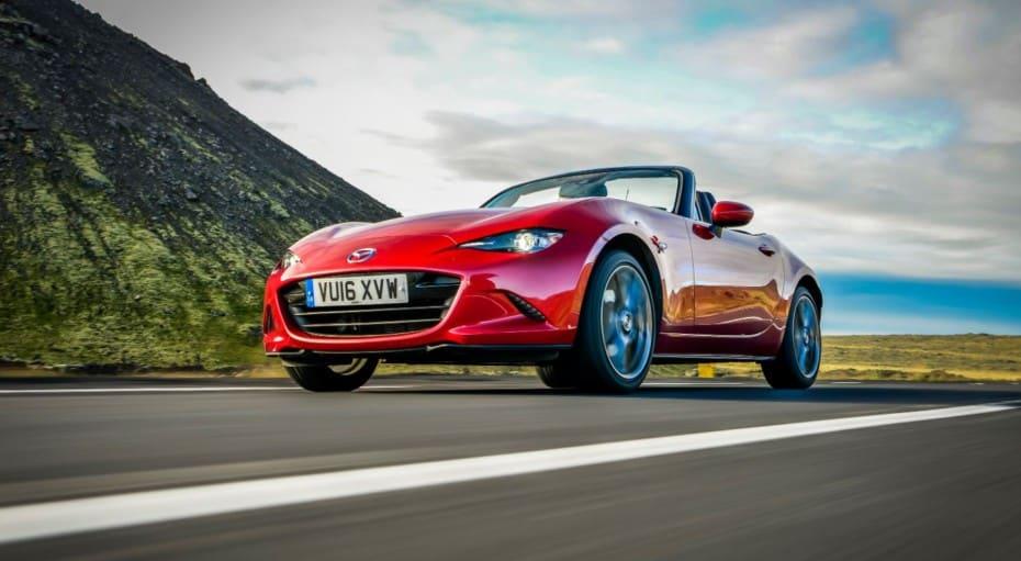 Ser o no ser híbrido, esa es la cuestión de Mazda sobre el MX-5