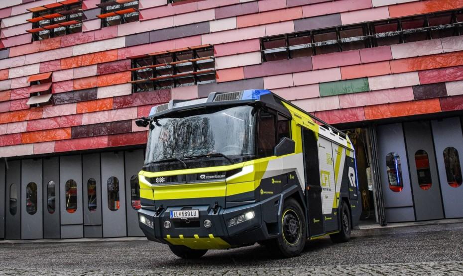 Este camión de bomberos dice ser el futuro: 30 km de autonomía eléctrica por 5,3 millones de euros
