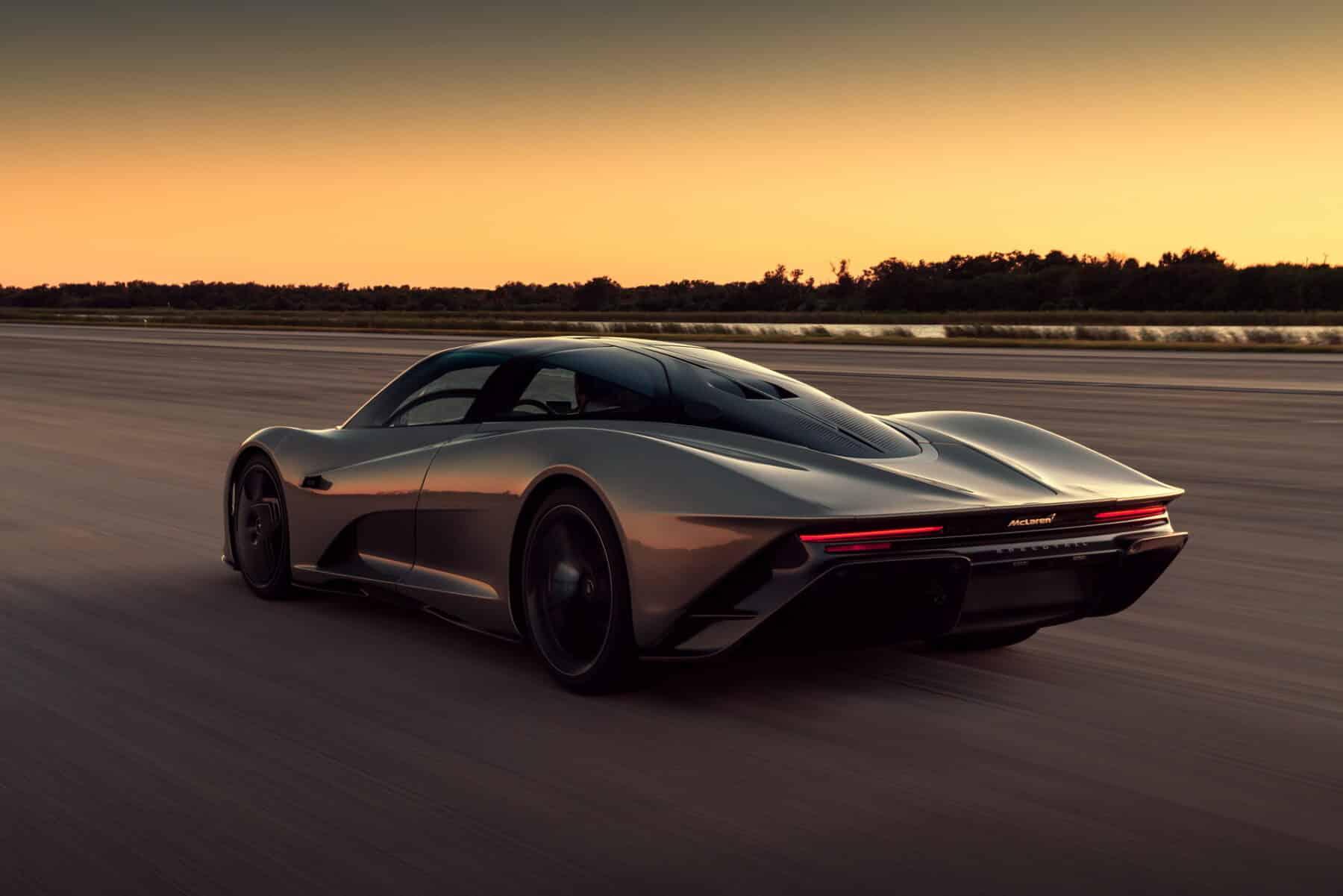 El McLaren Speedtail ya vuela a más de 400 km/h