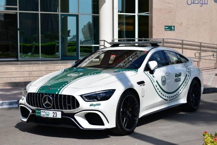La Policía de Dubai tiene nuevo juguete: No te importaría patrullar en esta bestia de 639 CV