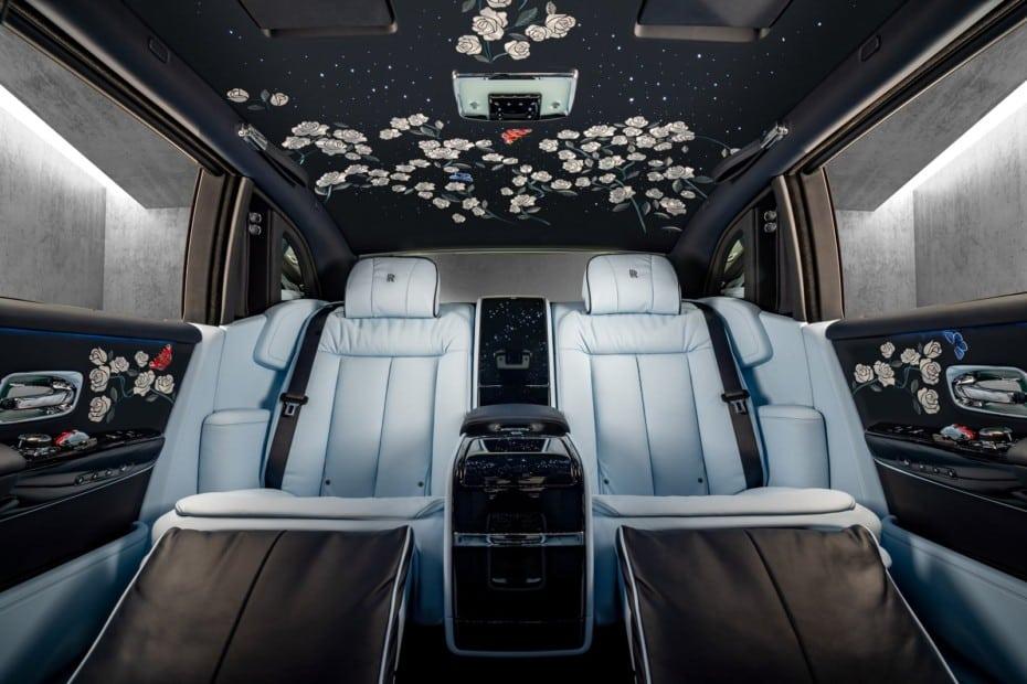 Atento, estás ante un Rolls-Royce que es puro arte: Más de 1 millón de puntadas de satén