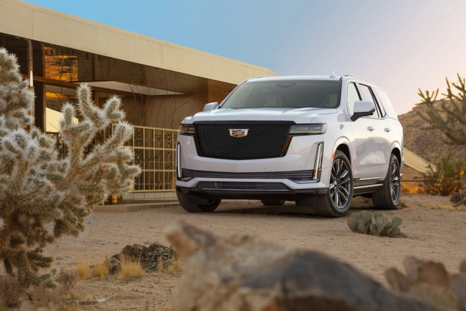Cadillac Escalade 2020: Lujo americano con una pantalla OLED de más de 38 pulgadas en el salpicadero
