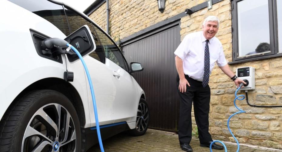 UK anuncia que en 2035 prohibirá todo lo que no se eléctrico o de hidrógeno: 5 años antes…