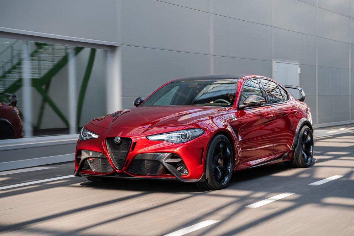 ¡Oficial! Giulia GTA y GTAm: Por cosas como estas es difícil no amar a Alfa Romeo