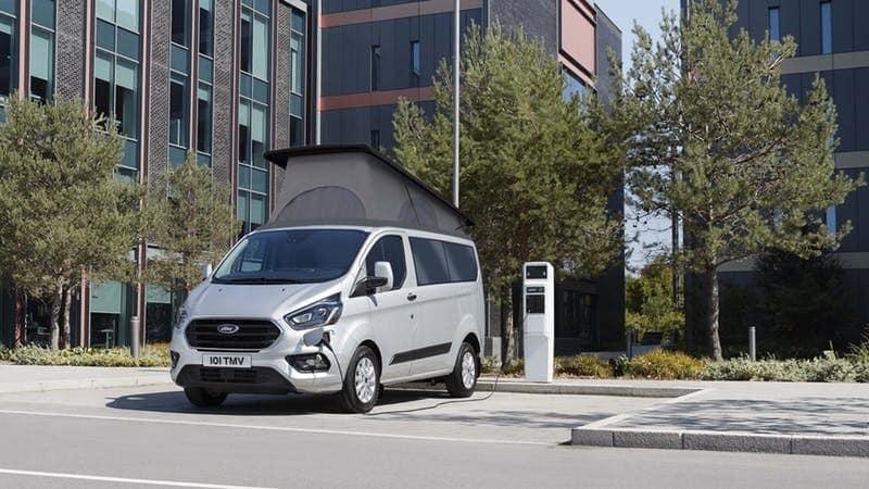 El Ford Transit Custom PHEV se convierte en una ecológica y funcional camper