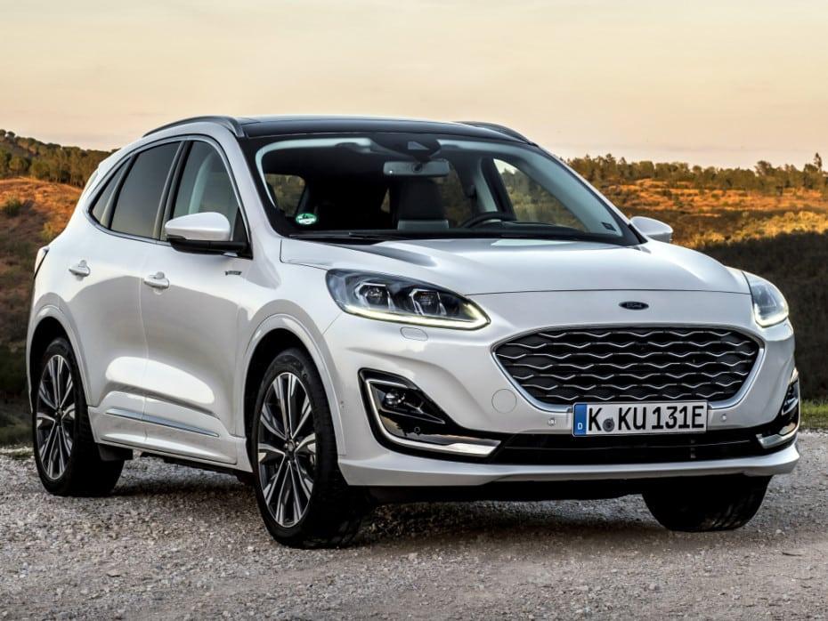 Ford suspende las ventas y las entregas del nuevo Kuga PHEV: 4 incendios hacen saltar las alarmas