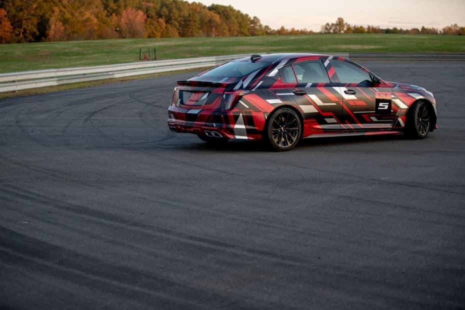 Los CT4-V y CT5-V tendrán versión Blackwing: El pináculo del rendimiento de Cadillac con caja manual