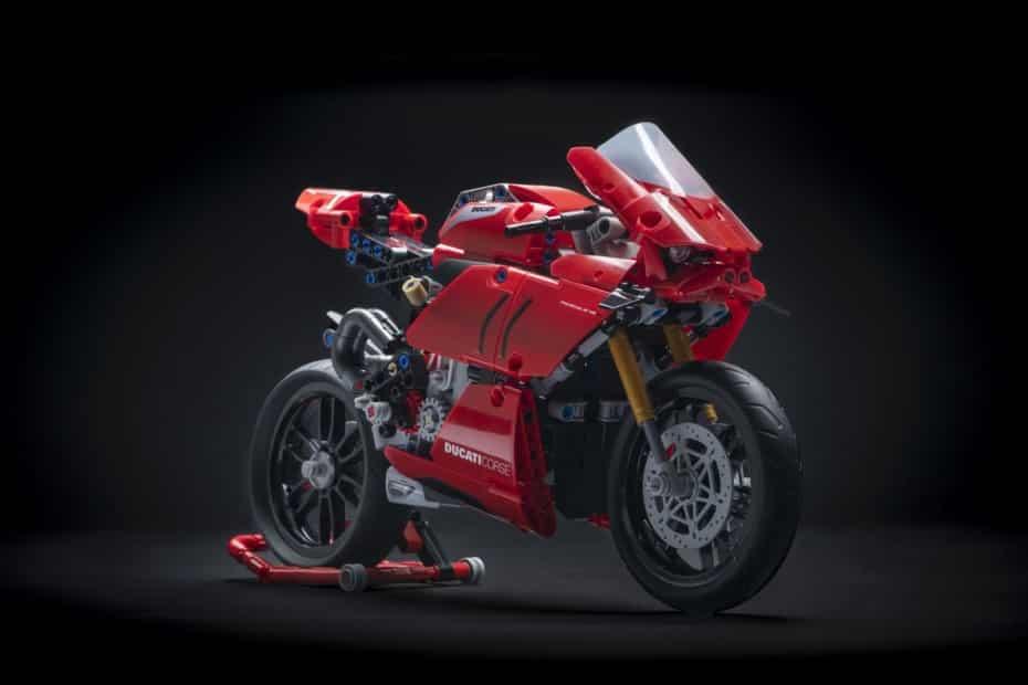¿Qué te parece la Ducati Panigale V4 R de LEGO® Technic™?