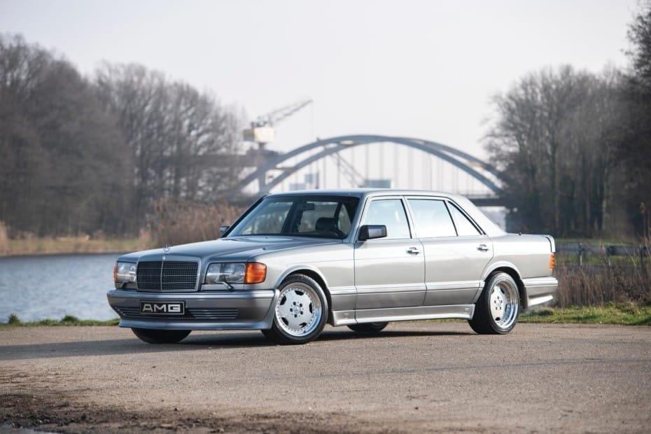 Mercedes-Benz 560 SEL V8 6.0 AMG: El primer sedán de 4 puertas en alcanzar los 300 km/h puede ser tuyo