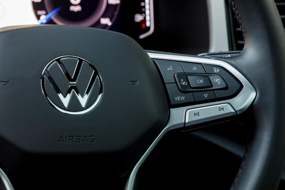 Así luce al natural el nuevo logotipo de Volkswagen: ¿Han acertado con el cambio?