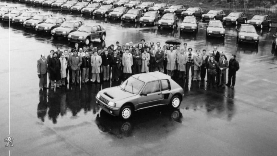 Foto histórica: 36 años han pasado desde la producción del Peugeot 205 Turbo T16