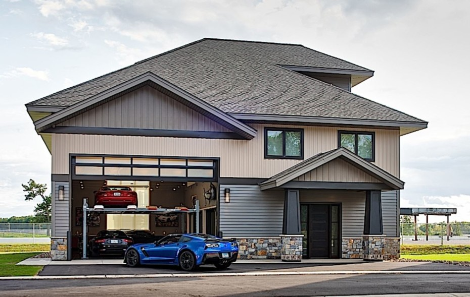 Comprar una casa con garaje o un garaje con casa, esa es la cuestión…