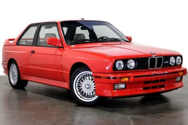 Este BMW M3 E30 propiedad de Paul Walker podría acabar en tu garaje