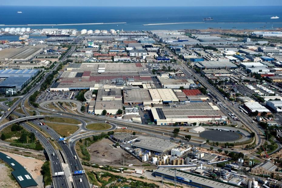 Nissan echa el cierre en la fábrica de la Zona Franca de Barcelona