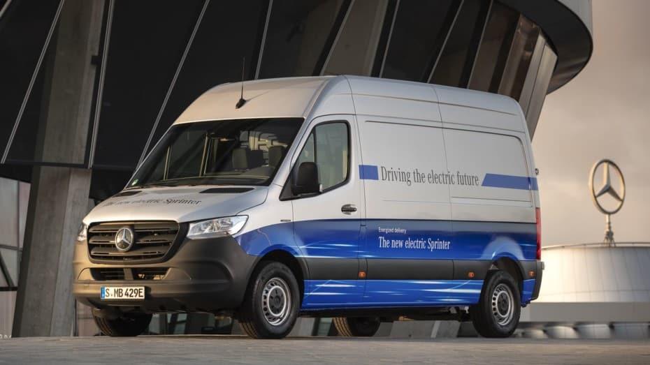 El Sprinter 100% eléctrico ya tiene precio: 120 km de autonomía y 1.038 kg de carga útil desde 53.050 €