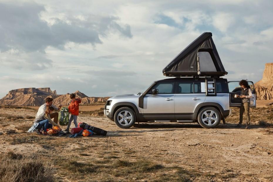 El nuevo Land Rover Defender se apunta a la moda de las camperizaciones: Práctico y muy capaz