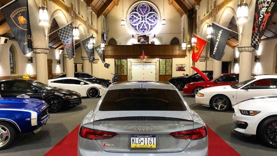Si crees que tu coche es sagrado, no hay mejor lugar que este para guardarlo…