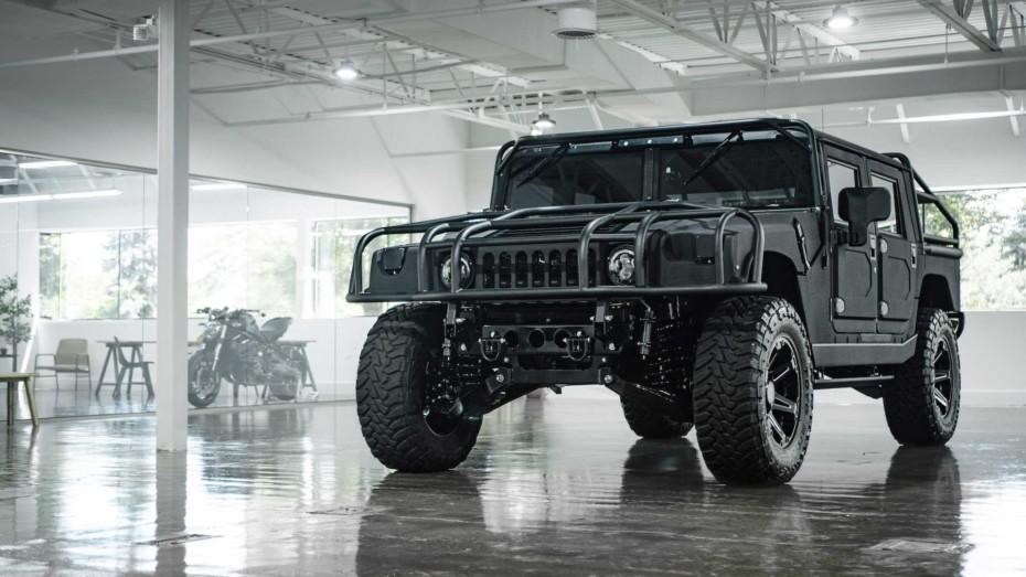 ¿No te interesa el futuro Hummer eléctrico? Puedes tener este H1 con 500 CV y 1.356 Nm de par