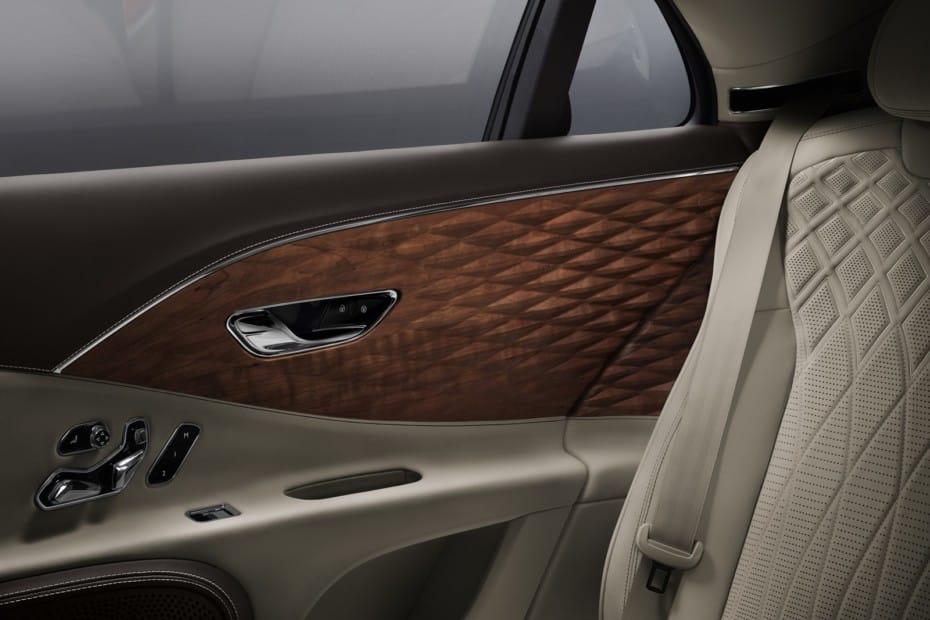 Bentley nos muestra este acabado de superficie tridimensional en madera: ¿Qué te parece?