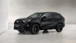 Toyota RAV4 Electric Hybrid Black Edition: ¡todo al negro!