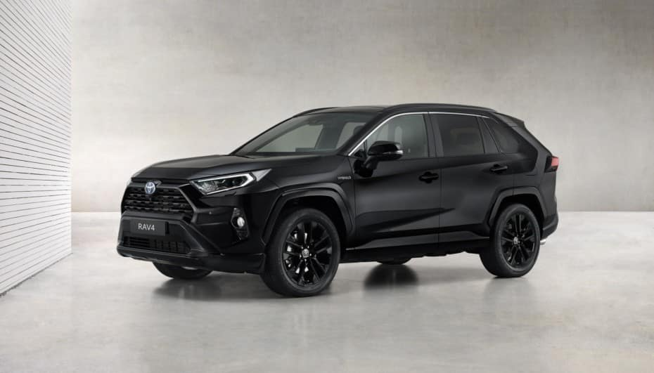 Toyota RAV4 Electric Hybrid Black Edition: ¡todo al negro!