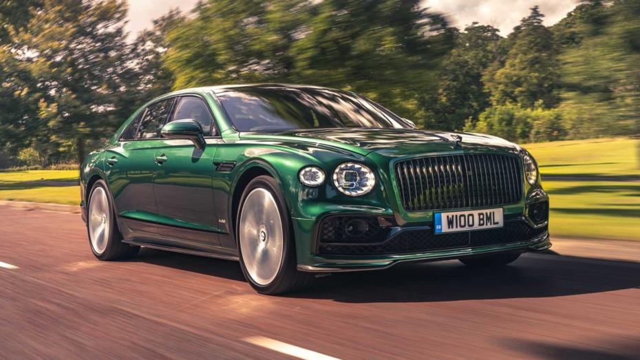 Dieta rica en fibra de carbono de fábrica para el Bentley Flying Spur y su W12 de 635 CV