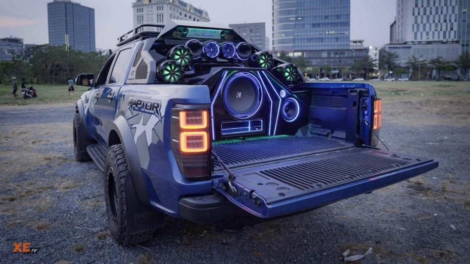 Con este Ford Ranger Raptor serás el rey del 'parkineo': 68.000 euros en equipos de sonido
