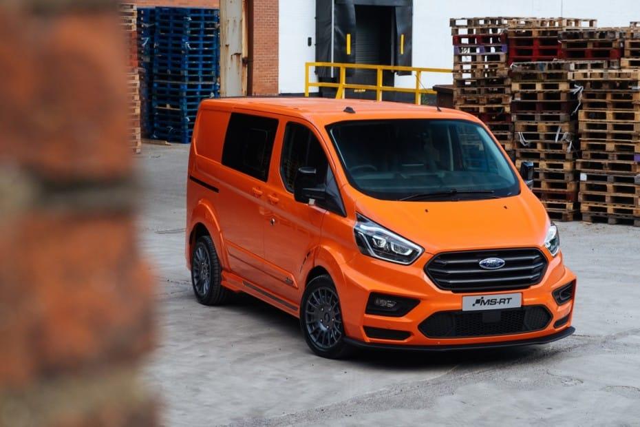 Kit de carrocería y «chuches» para los Ford Transit: el rally llega a las furgonetas