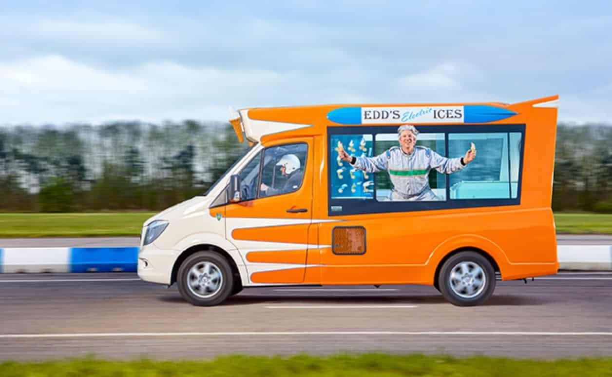 Inutile et génial : voici le camion de glaces électrique le plus rapide du monde ! (vidéo) Par Hilaire Picault Furgoneta-helados-eléctrica