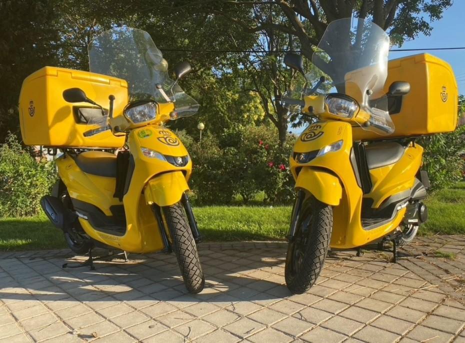 Correos cree que la Peugeot Tweet PRO 125 cc es la moto perfecta para los carteros: ¿Tú qué opinas?