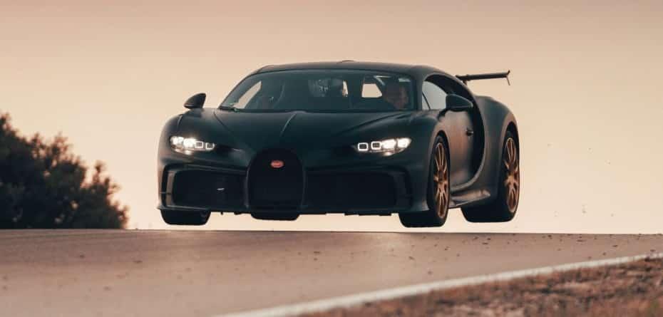 Ver saltar al Bugatti Chiron Pur Sport pone los pelos de punta: ¡son casi 4 millones de euros!