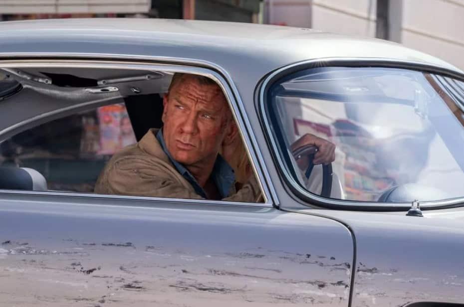 Ojo al tráiler de la última entrega del Agente 007: Un Aston Martin Valhalla, varios Defender volando…