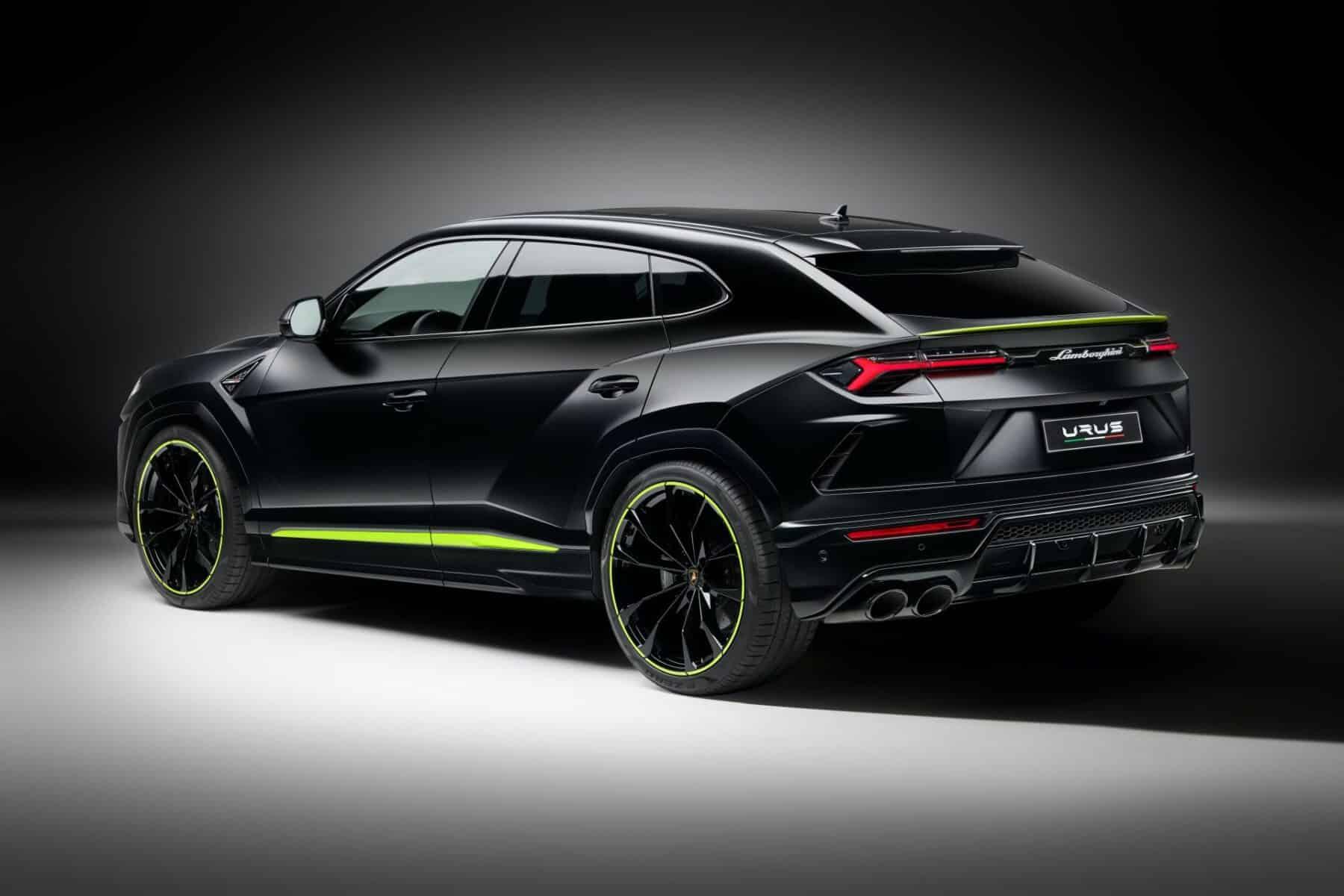 Lamborghini Urus Graphite Capsule Siniestro Y Llamativo A Partes Iguales