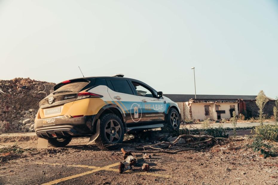 No es un Nissan LEAF para el Dakar, pero poco le faltaría…