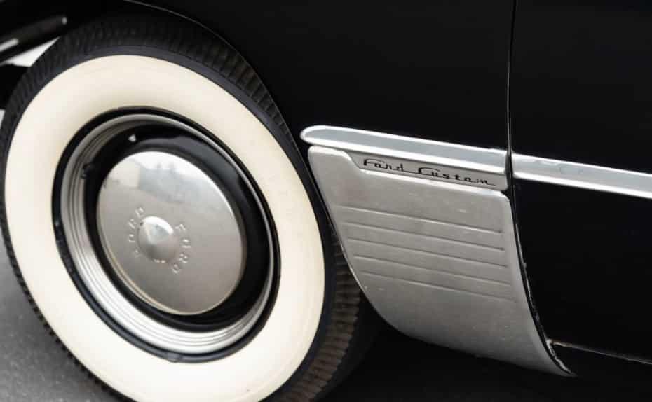 ¿Por qué antes los neumáticos eran blancos?