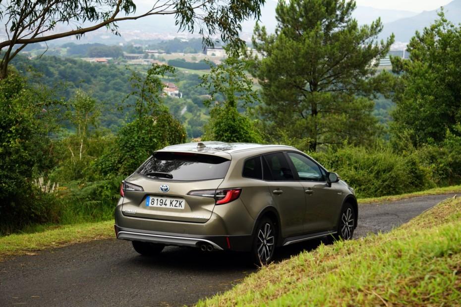 Prueba Toyota Corolla Trek 180H: Rápido, eficiente y familiar