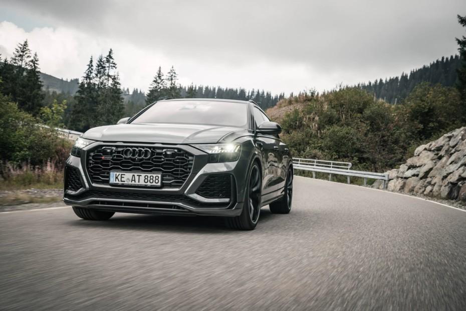 Llantas de 23″, hasta 740 CV y cuatro salidas de escape de 102 mm: este Audi RSQ8 es bestial