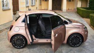 ¡Oficial! Nuevo Fiat 500 3+1: mejora la practicidad gracias a las puertas suicidas