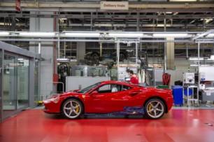 Dicen que hay que poseer un Ferrari para poder encargar uno a fábrica ¿Mito o realidad?