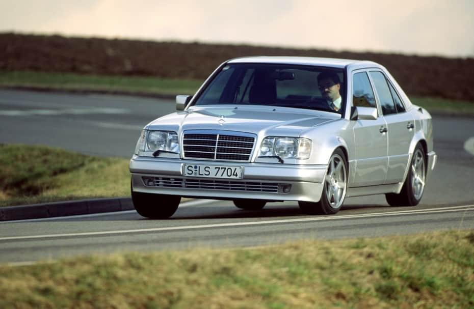 El Mercedes-Benz 500 E W124 cumple 30 años: una bestia alemana creada en colaboración con Porsche