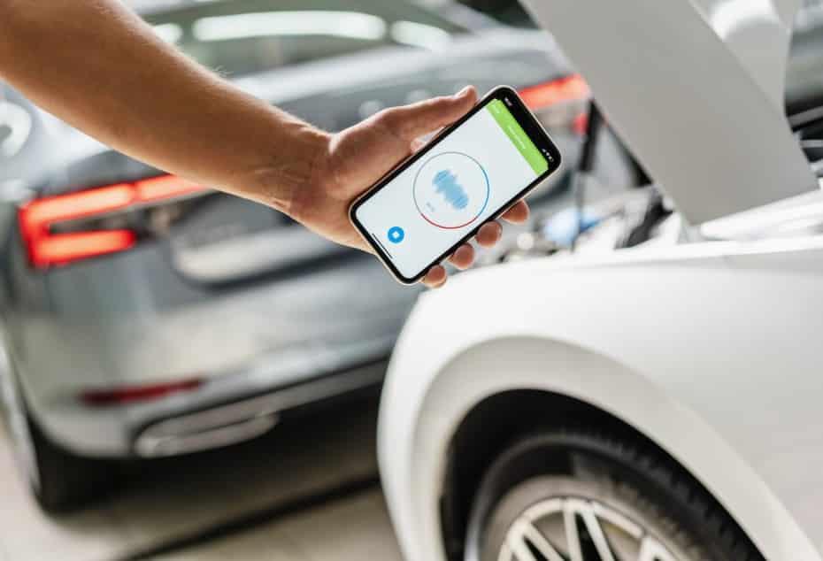 Olvídate de las máquinas de diagnóstico: Škoda escuchará tu coche con una app