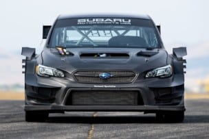 Este es el Subaru WRX STI más bestia: escape que echa llamas por el capó y otras salvajadas...