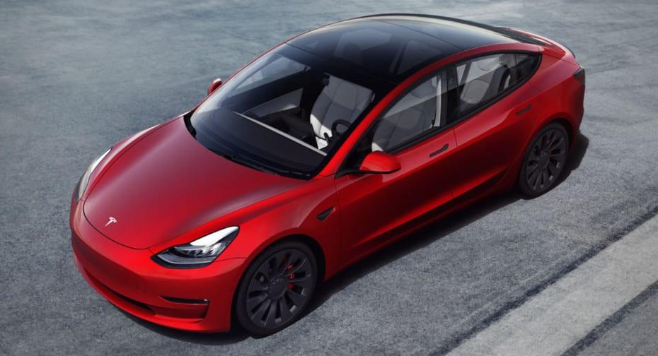 El Tesla Model 3 se actualiza para 2021: Discretos cambios y más autonomía