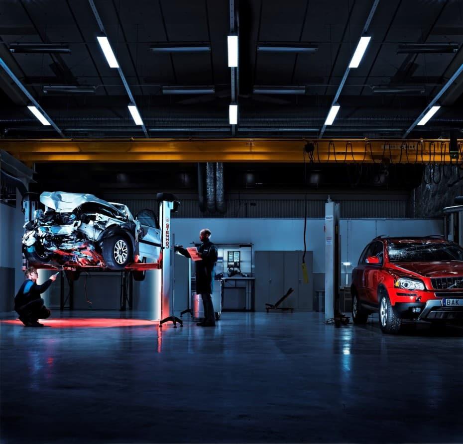 ¿Sabías que Volvo tiene sus propios investigadores de accidentes y que estos cumplen 50 años?