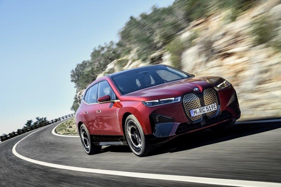 ¡Oficial!: Así es el BMW iX, un alarde de tecnología y electrificación que llegará en 2021