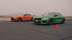 [Vídeo] Ford Shelby GT500 vs. BMW M8 Competition: ¿Refinamiento alemán o fuerza bruta americana?