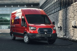 ¡Oficial! Ford E-Transit 2022: Hasta ocho configuraciones con 203 km de autonomía