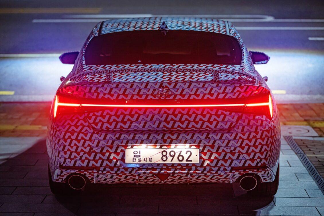 Hyundai nos muestra el Elantra N: nos faltan muchos datos pero pinta muy bien…